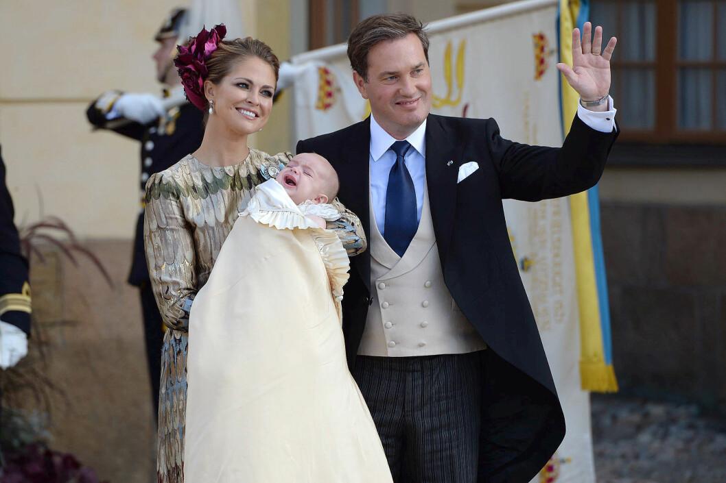 ÅPNER SEG: Prinsesse Madeleine og Chris O´Neill skal levere et personlig intervju i «Skavlan» den 11. desember. Her er paret i dåpen til lille prins Nicolas i oktober.  Foto: Aftonbladet