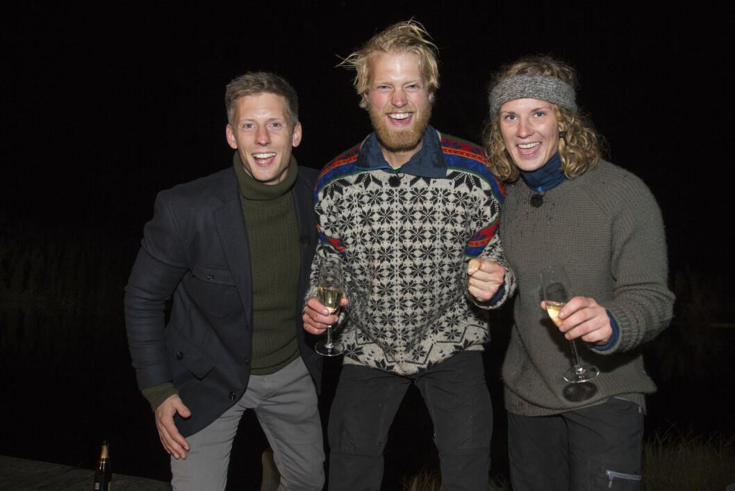 FINALEN: Eilev Bjerkerud klarte ikke å skjule gleden da han vant Farmen. Her med Marte Søreide og Gaute Grøtta Grav. Foto: Se og Hør