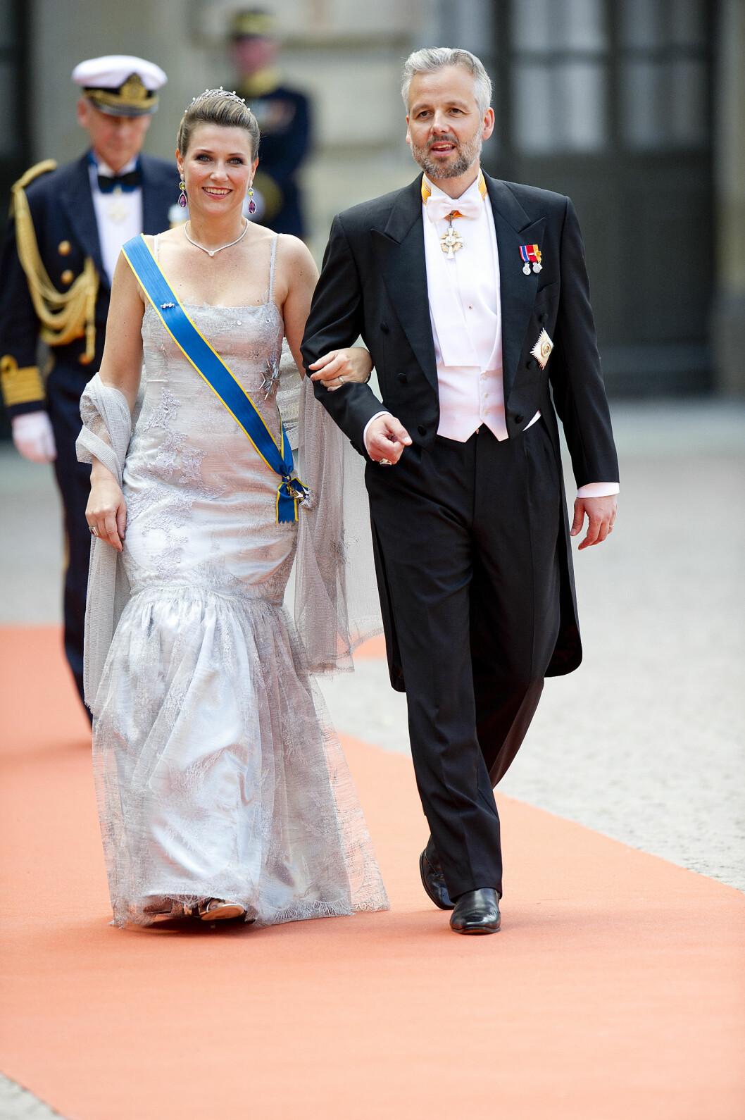 <strong>STILIG:</strong> Da Ari Behn ankom bryllupet til prins Carl Philip og Sofia Hellqvist sammen med prinsesse Märtha Louise i sommer, trillet Jan Thomas en sekser på terningen.   Foto: NTB scanpix