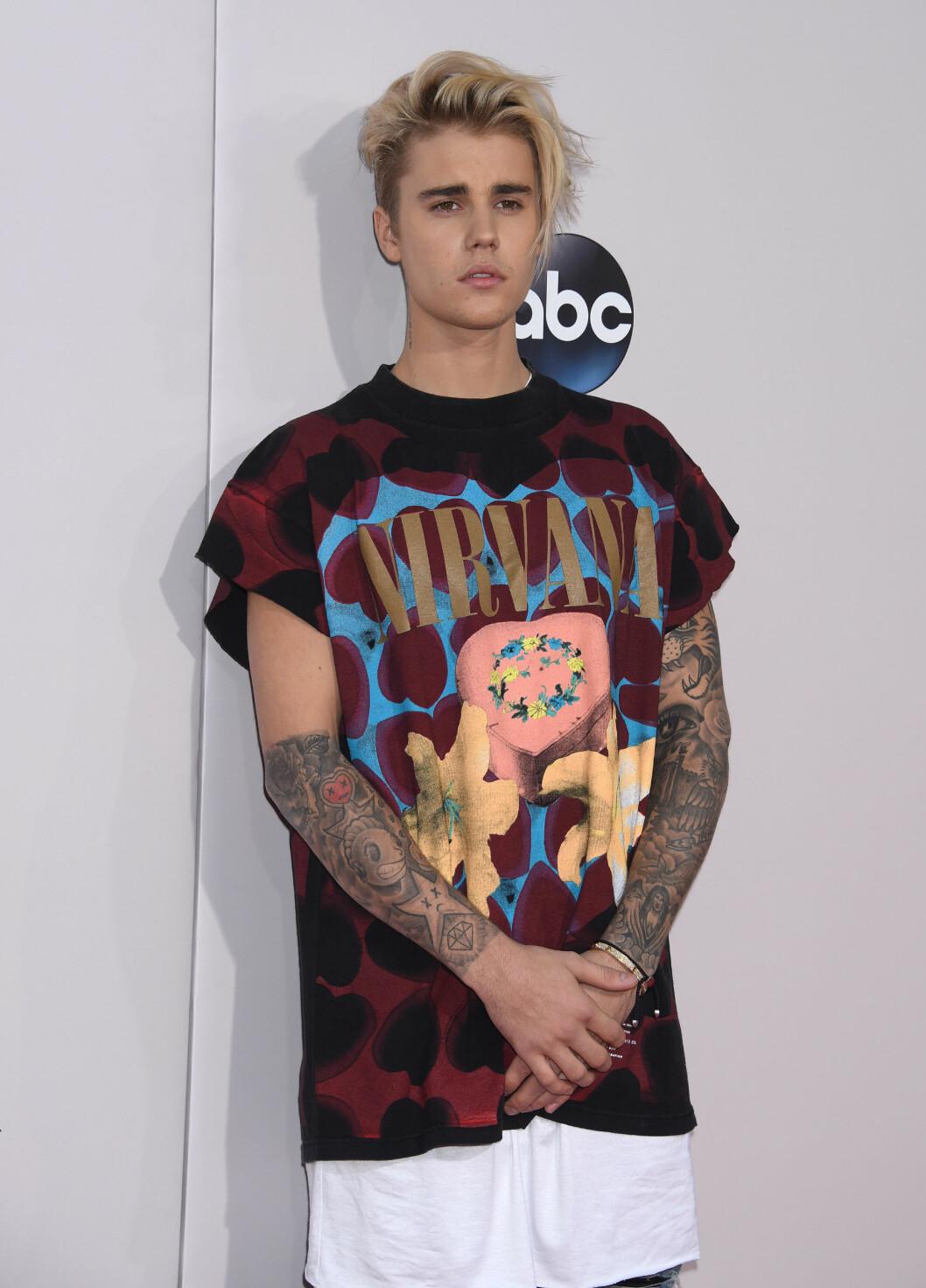 SANG: Justin Bieber fremførte to sanger under prisutdelingen.  Foto: Pa Photos