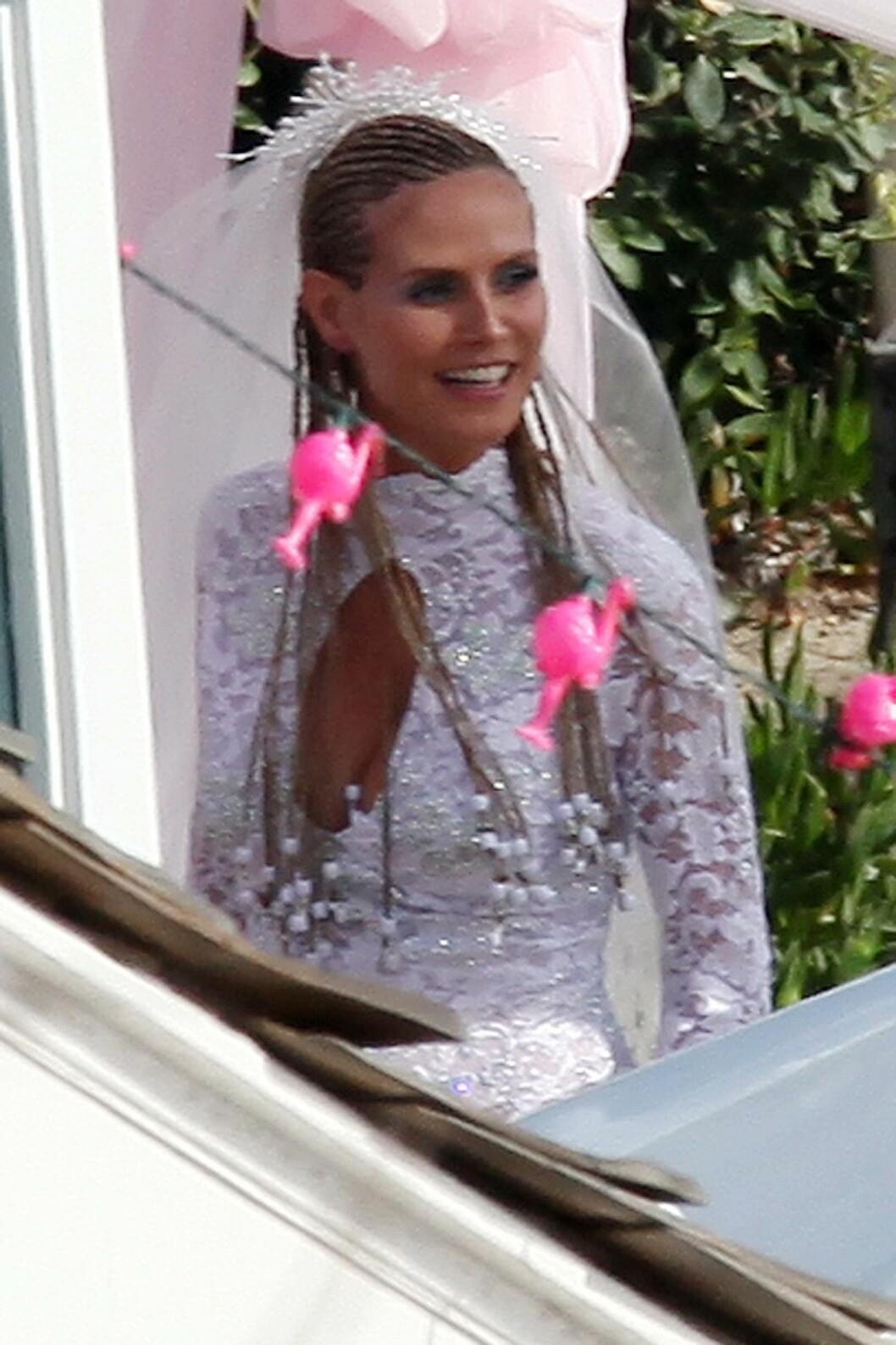 STOD BRUD HVERT ÅR: Heidi elsker å kle seg ut, og var hjernen bak de årlige temafestene, ifølge Seal. Foto: Clint Brewer / Splash News