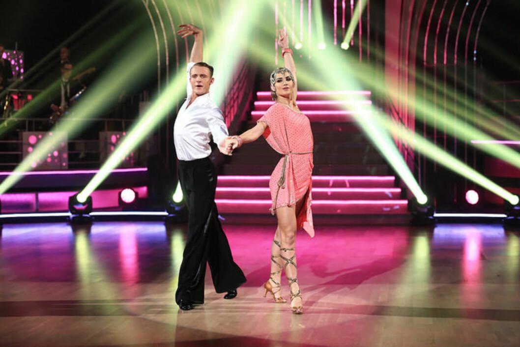 SVINGTE SEG: Adelén imponerte nok en gang i dansekonkurransen.  Foto: TV 2