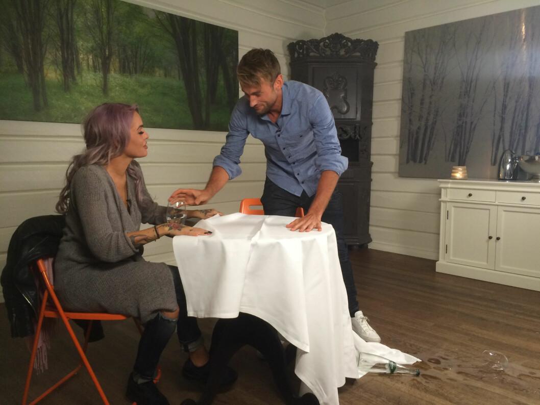 FIKK SJEKKETIPS AV TRIANA: På sitt nye nettsted har Petter Northug også møtt Paradise Hotel-programleder Triana Iglesias Foto: Northug TV