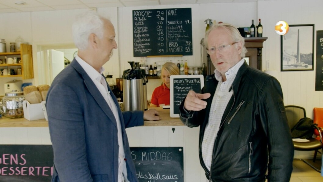 VIL ENDRE PÅ MENYEN: Eyvind Hellstrøm gir daglig leder Kent Solheim beskjed om at han mener det må flere endringer til, hvis han vil berge økonomien til restauranten.  Foto: TV 3