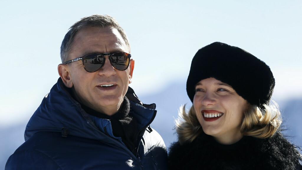 - PINLIGE SCENER: Lea Seydoux avslører at det ikke var lett å spille romantiske scener med Daniel Craig i den nye James Bond-filmen «Spectre». Foto: Reuters