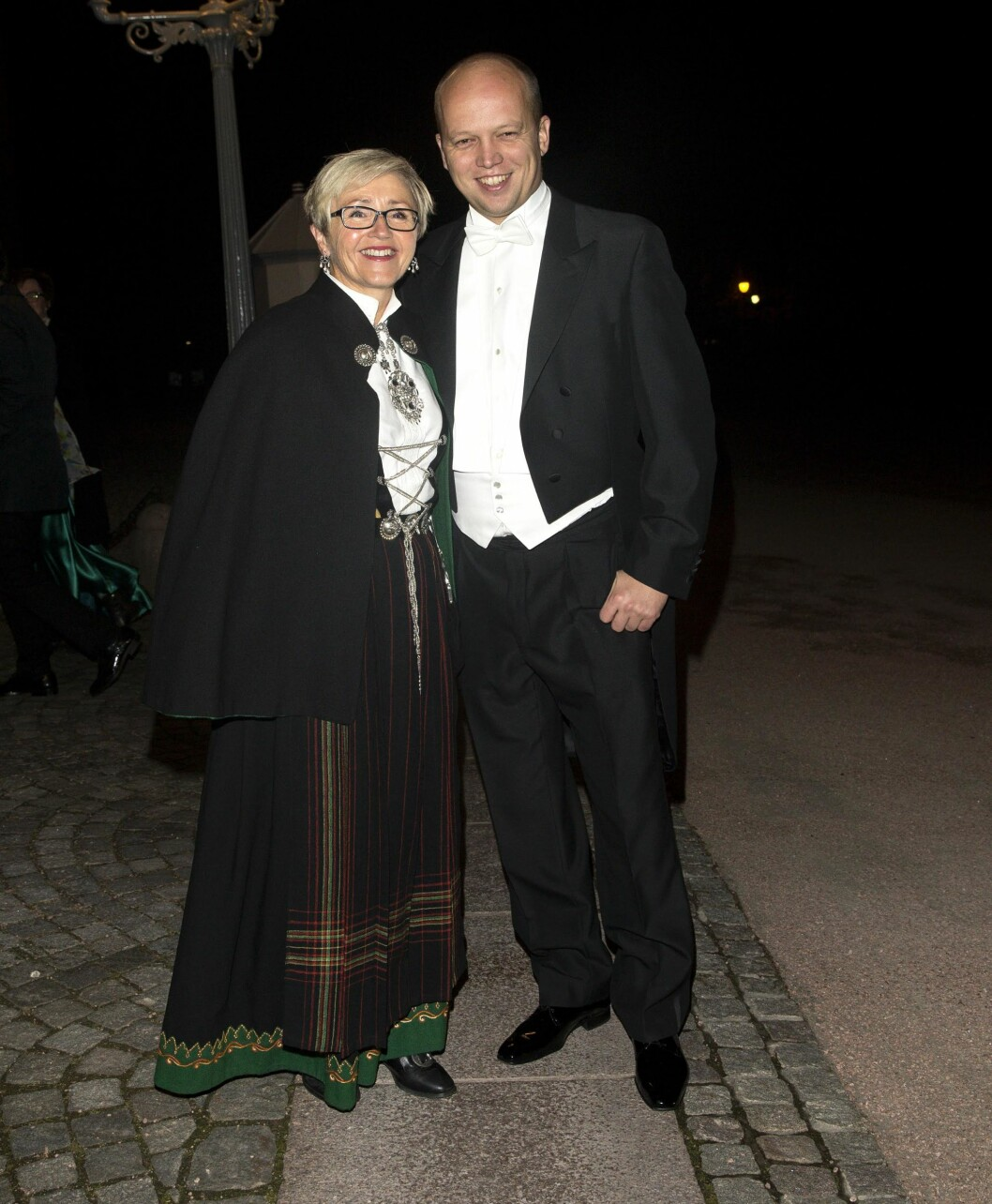SAVNET KONA: Sp-leder Trygve Slagsvold Vedum ankom sammen med partikollega Liv Signe Navarsete. Foto: Andreas Fadum/Se og Hør