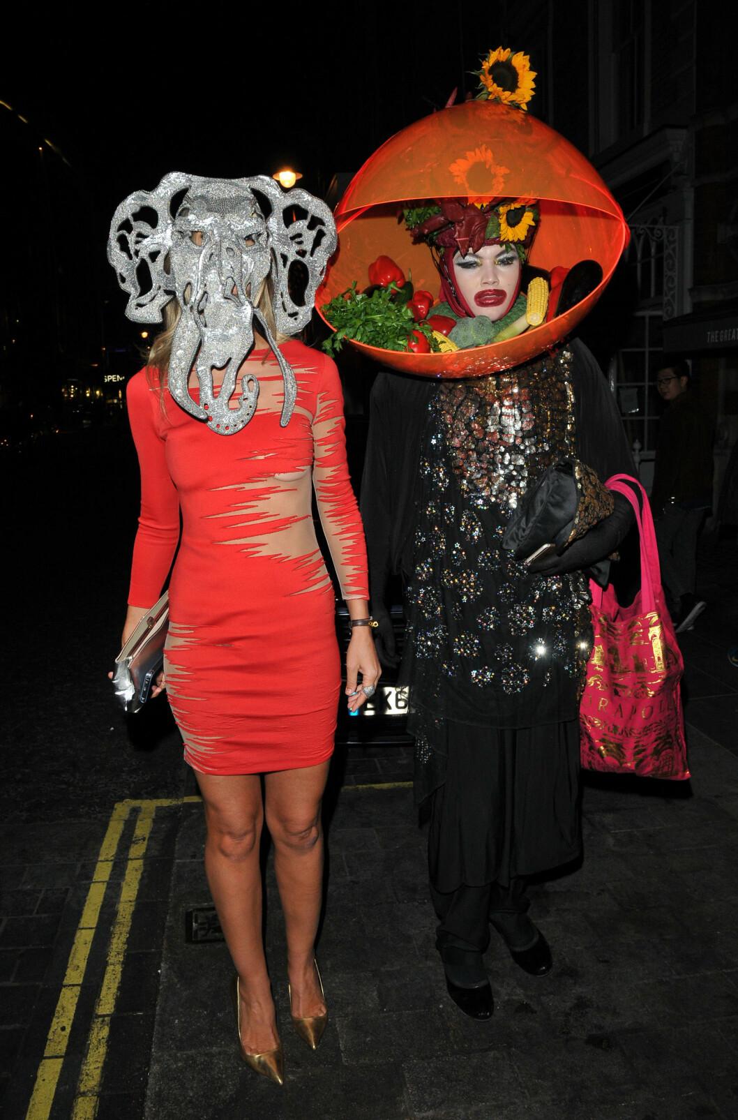 TOK DEN HELT UT: Lady Victoria Hervey og kunstneren Daniel Lismore sparte ikke på noenting på Eva Cavallis bursdagsfest fredag 9. oktober.   Foto: CapitalPictures