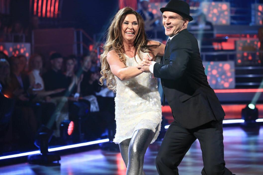 TILBAKE: Gro Helen Tørum gjorde comeback i danseprogrammet og erstattet dermed Christopher Mørch Husby som trakk seg fra konkurransen.  Foto: Thomas Reisæter/TV 2