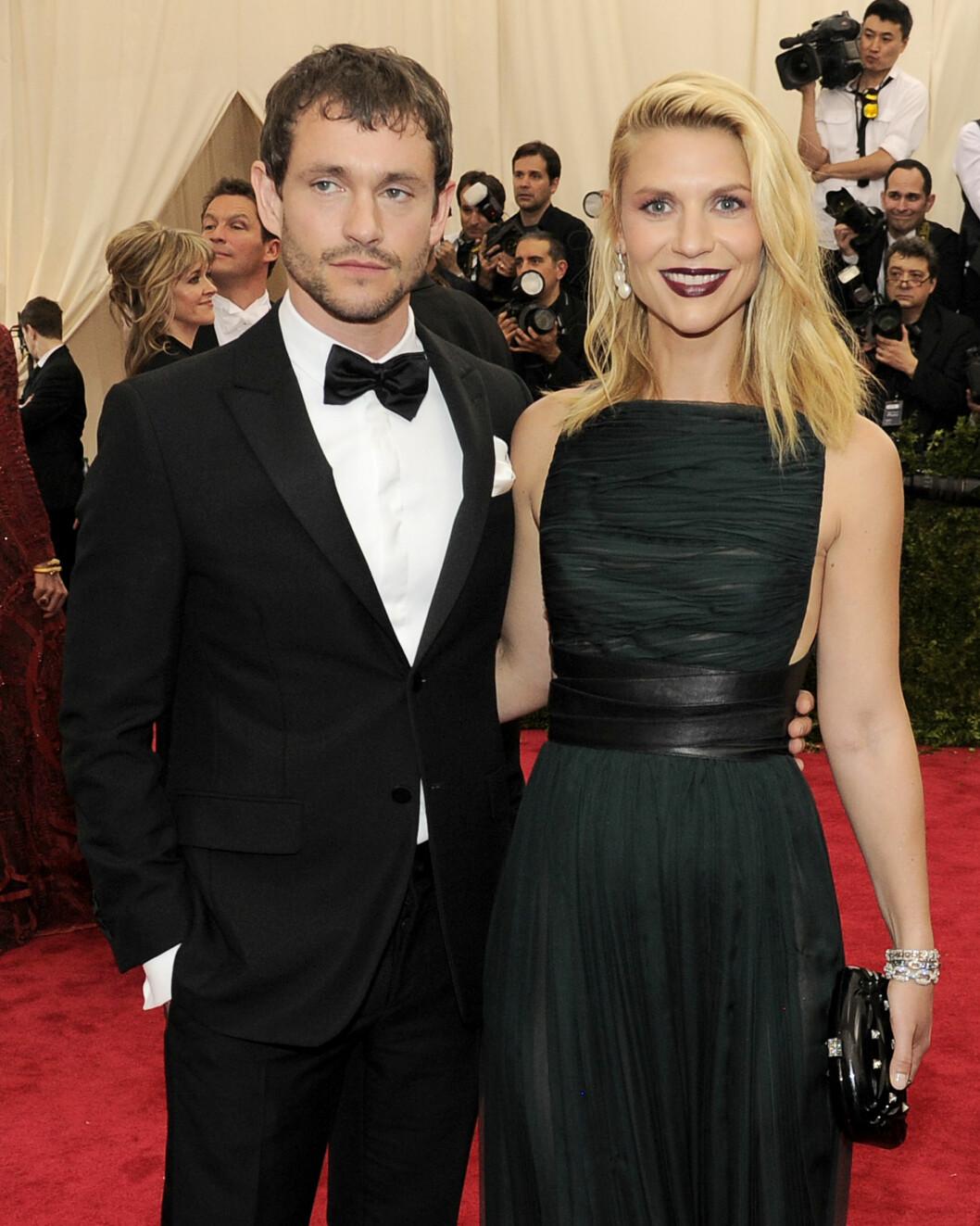 EKTEMANNEN: De ni siste årene har Claire Danes vært sammen med Hugh Dancy. De giftet seg i 2009. Her er paret på en premiere i mai i år.  Foto: SipaUSA