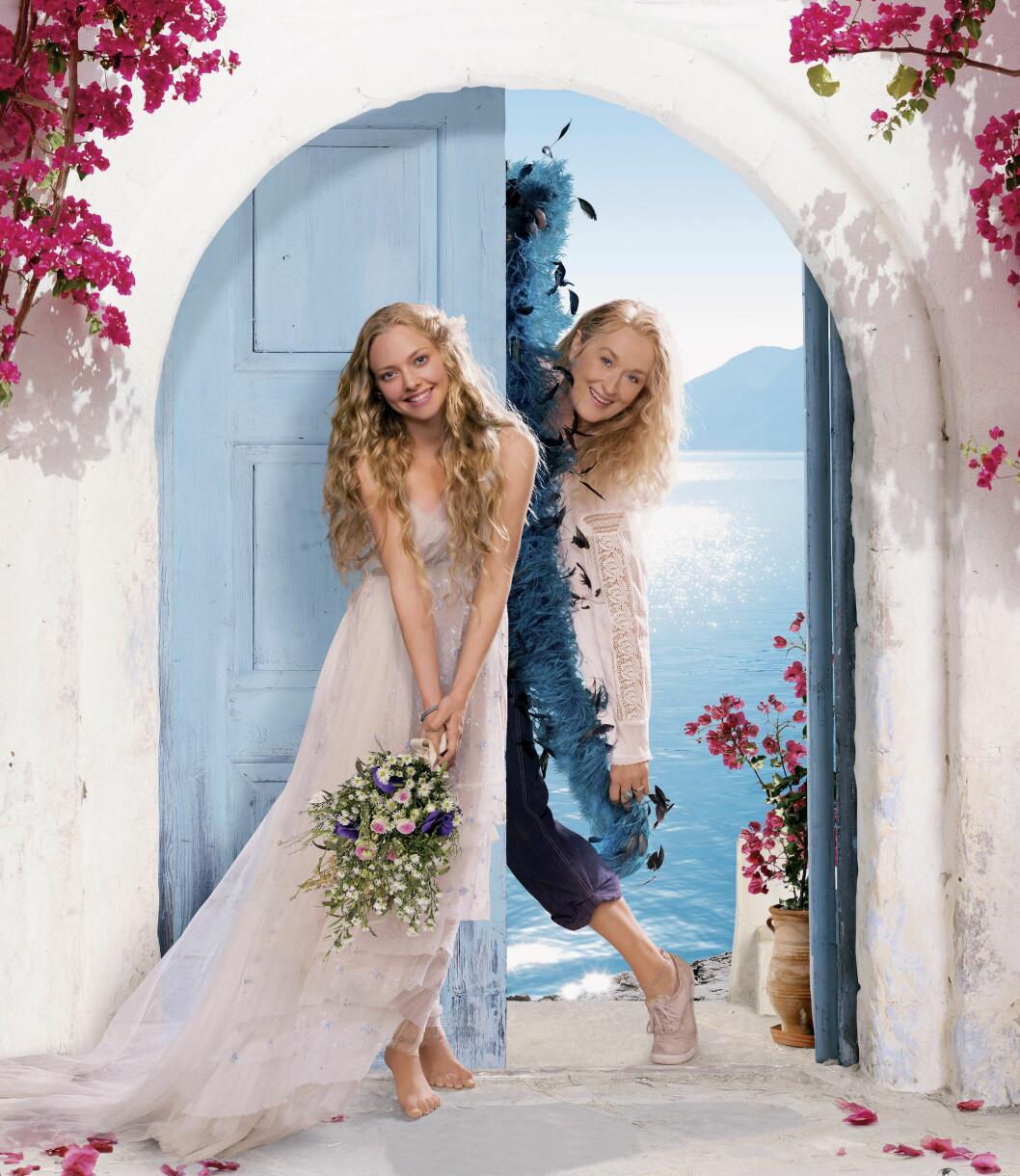 POPULÆR ROLLE: Amanda Seyfried ble verdensberømt gjennom sin rolle i den ABBA-inspirerte filmen «Mamma Mia». Her er hun sammen med sin skuespillerkollega Meryl Streep, som spiller hennes mor i filmen.