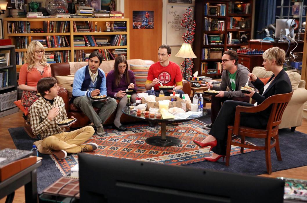 POPULÆRE: Kaley Cuoco (t.h) har blitt verdensberømt gjennom sin rolle som Penny i TV-serien «The Big Bang Theory». Her med kollegaene (f.v) Melissa Rauch, Simon Helberg, Kunal Nayyar, Mayim Bialik, Jim Parsons og Johnny Galecki. Foto: All Over Press