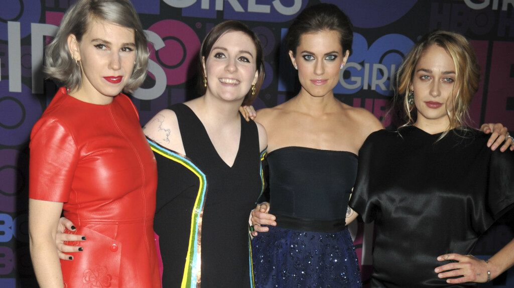 NÆRE KOLLEGER: (f.v) Zosia Mamet, Lena Dunham, Allison Williams og Jemima Kirke spiller mot hverandre i den populære HBO-serien «Girls», men er venner utenom innspillingssettet også. Da Williams giftet seg i helgen, skal samtlige av «Girls»-kollegene ha vært blant gjestene.  Foto: DPA