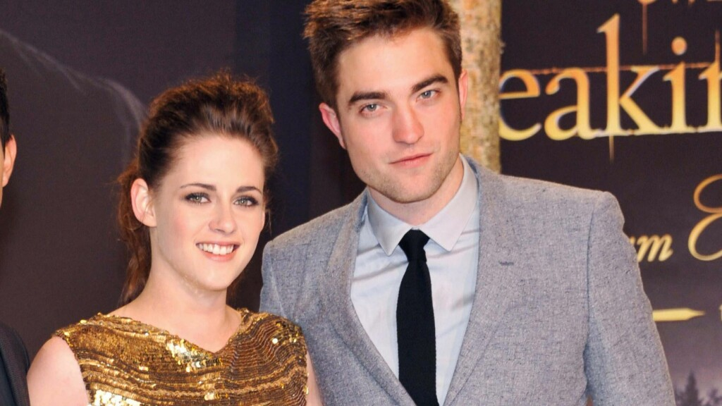 "EKS-KJÆRESTER: «Twilight»-stjernene Robert Pattinson og Kristen Stewart var lenge et av de mest populære parene i Hollywood. Her er de sammen under premieren av ""Twilight Saga: Breaking Dawn Part 2"" i Berlin i 2012. Foto: All Over Press"