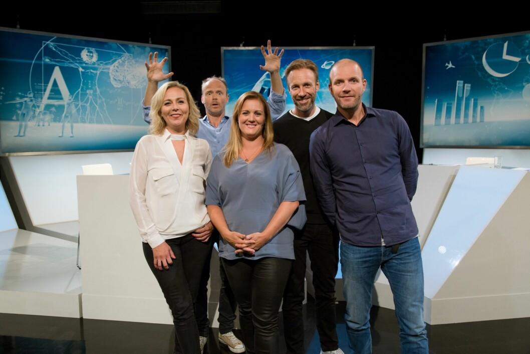 UKENS GJESTER: I tillegg til Skåber og Giertsen, er også Siri Kristiansen og Bård Tufte Johansen gjester i Brille. Foto: TVNorge