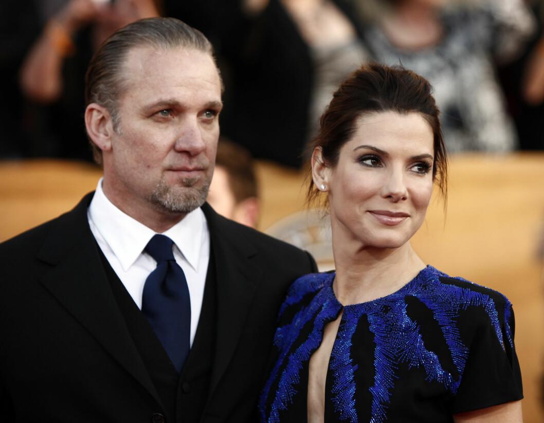 LYKKEN BRAST: Bullock skilte seg fra ektemannen gjennom fem år, Jesse James, da det ble kjent at han hadde vært utro mot henne flere ganger. Foto: AP