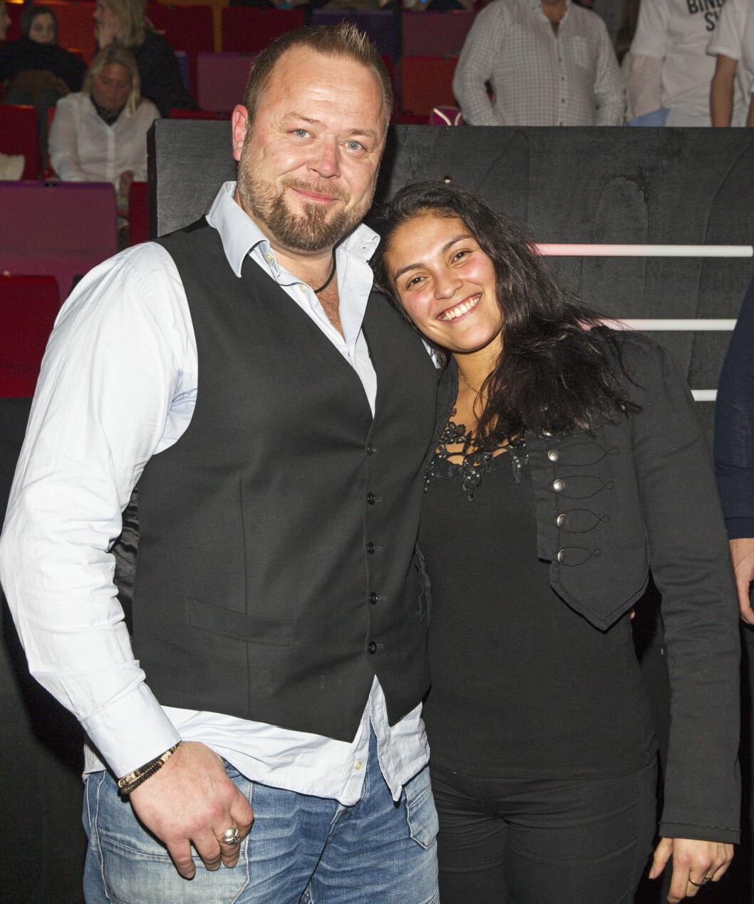 <strong>LYKKELIG:</strong> For et par år siden fant 43-åringen lykken med Maria Eilertsen, og forholdet er fortsatt sterkt. Foto: Andreas Fadum, Se og Hør