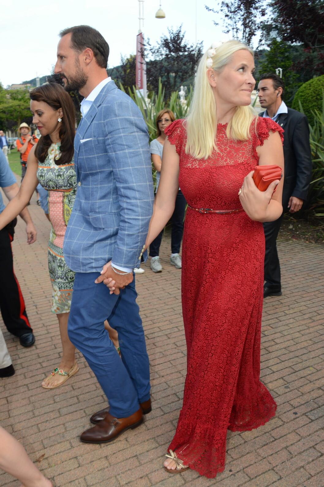 <strong>ÆRESGJESTER:</strong> Kronprins Håkon og kronprinsesse Mette-Marit var tilstede i det kongelige bryllupet. Med seg hadde de også Mette-Marits sønn, Marius.  Foto: Splash News