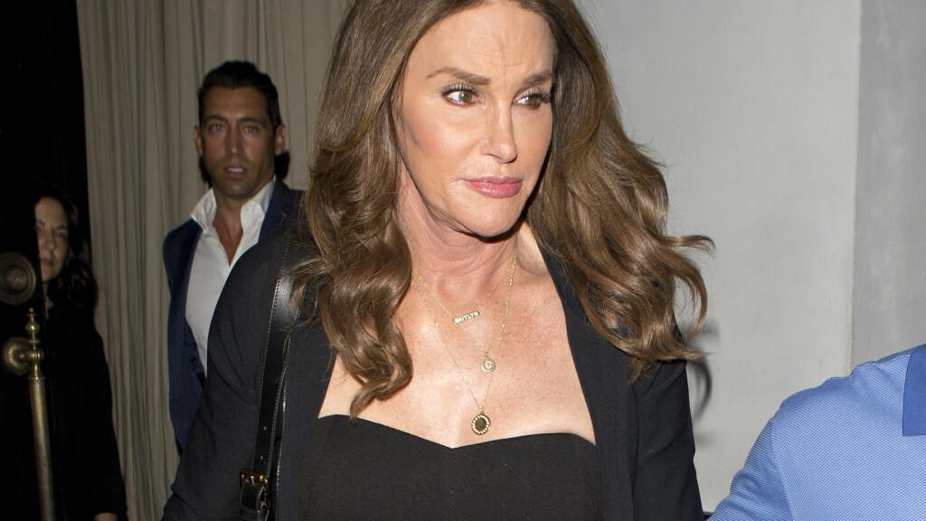 MOTEBEVISST: Siden kjønnsskiftet har Caitlyn Jenner fått mye skryt for sin elegante stil – men enda er det et plagg hun ikke tør å vise seg frem i; nemlig en badedrakt. Foto: Scanpix