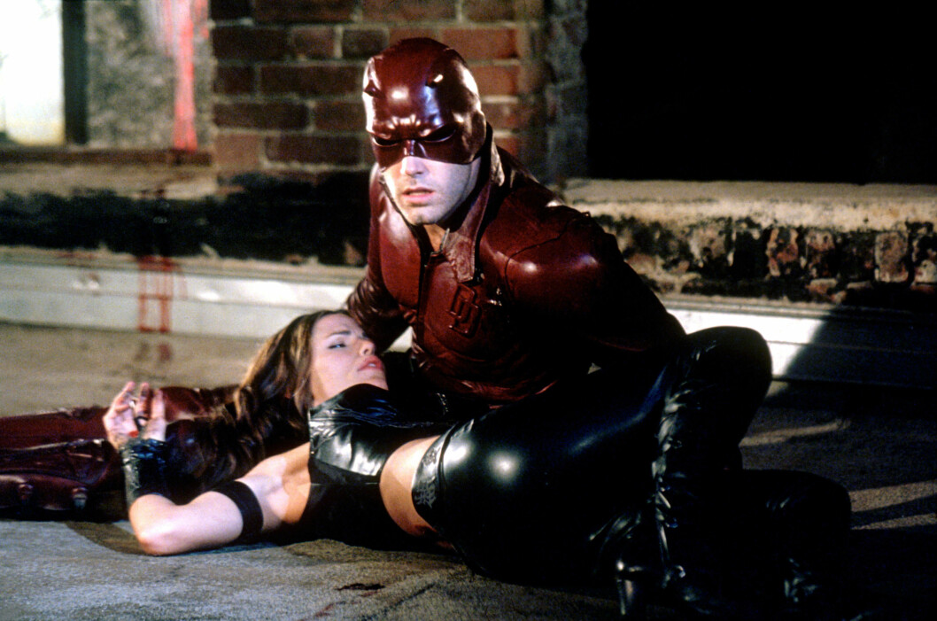 HETE FØLELSER OPPSTOD: Ben Afflcek spilte Matt Murdock og Jennifer Garner spilte Elektra Natchios i Daredevil, i filmen de falt for hverandre i 2003. Foto: NTB Scanpix