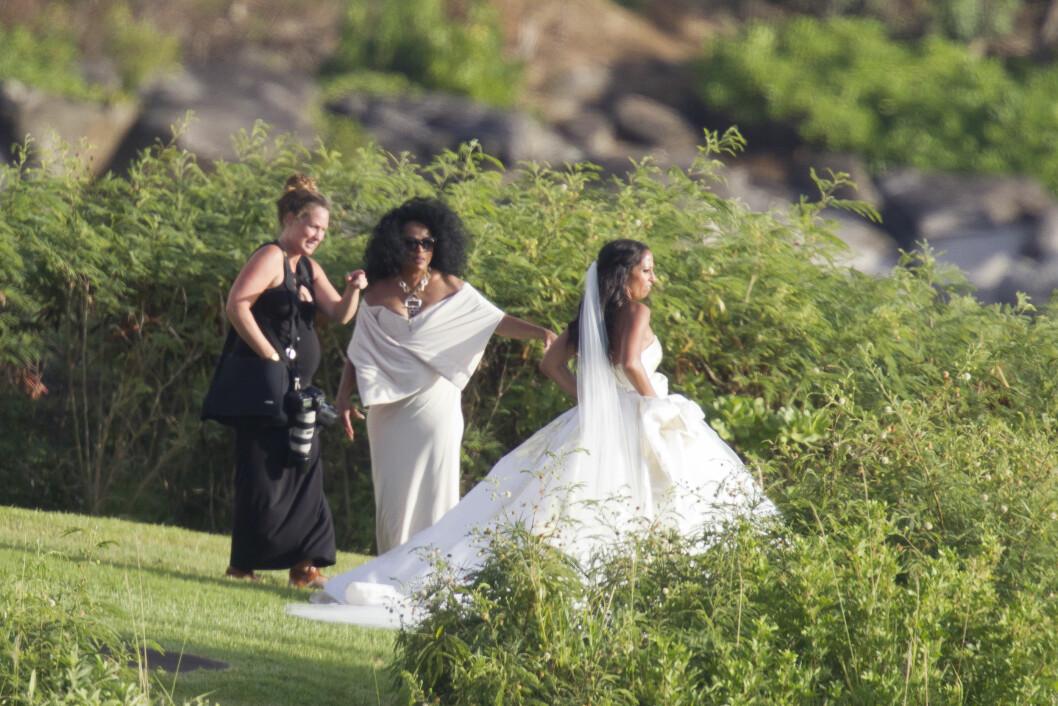 STJAL OPPMERKSOMHETEN: Det var Diana som fikk mesteparten av oppmerksomheten i pressen etter datterens bryllup. Foto: Splash News