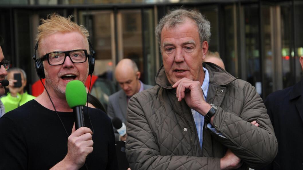 """<strong>MISTET JOBBEN:</strong> Chris Evans (t.v) er Top Gears nye fjes. Her er den nye programlederen og den gamle, Jeremy Clarkson, sammen under innspillingen av """"Chris Evans show"""" sist måned. Foto: NTB Scanpix"""