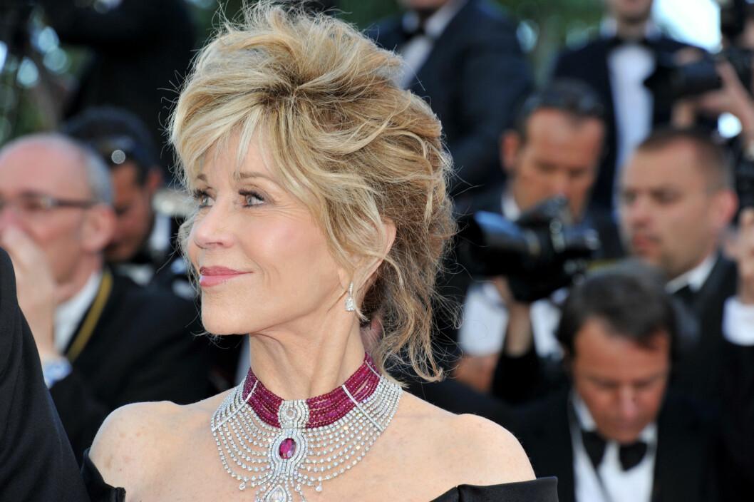 STRÅLER: Fonda har alltid vært åpen om at hun har fikset på utseendet. Dette bildet er også tatt under filmfestivalen i Cannes denne måneden. Foto: NTBscanpix
