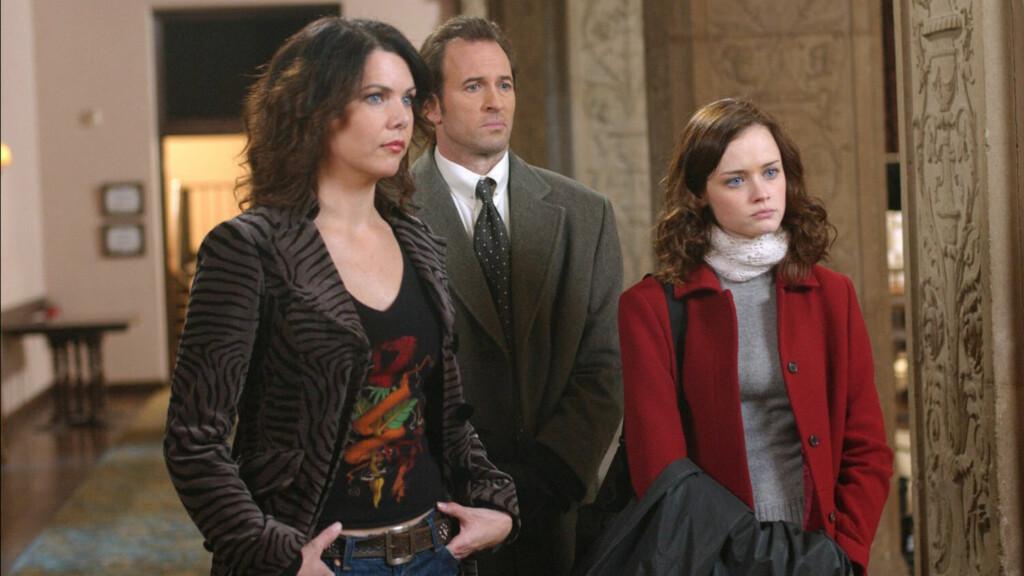 MER AV DETTE?: Lauren Graham, Scott Patterson og Alexis Bledel holdt det gående i syv sesonger i serien Gilmore Girls. Nå snakker Patterson om en mulig gjenforening.