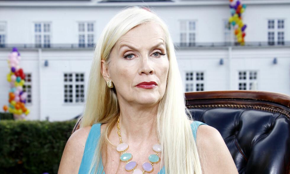 UHELDIG: Advokaten til Gunilla Persson synes det er uheldig at politet har gått ut med sin versjon før Persson har fått uttalt seg om sin side saken om solbrillehendelsen som fant sted forrige lørdag. Foto: Expressen