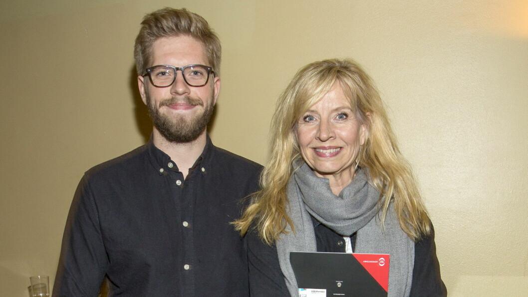 STOLT MAMMA: Jakob har gått i mamma Hege Schøyens fotspor, og er blitt komiker. Humordronningen legger ikke skjul på at hun er stolt av sønnen. Foto: Tor Lindseth, Se og Hør