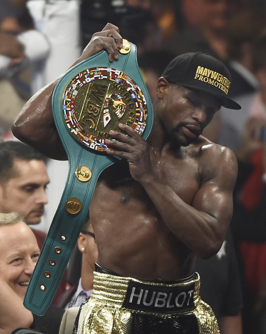 SEIERHERRE: Floyd Mayweather, Jr. gikk av med seieren etter 12 runder mot Manny Pacquiao på boksearenaen i MGM Grand Hotel. Foto: Polaris