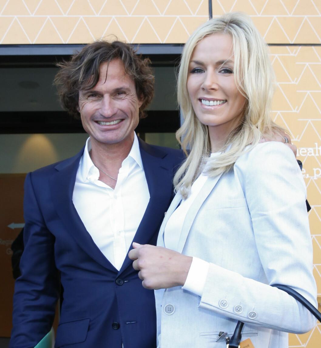 STØTTE: Hotellkongen Petter Stordalen står tett ved sin kones side gjennom den tøffe tiden.