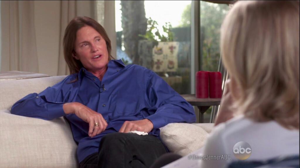 SNAKKER UT: I det timelange intervjuet åpner Bruce Jenner seg om overgangen fra mann til kvinne.  Foto: NTB Scanpix