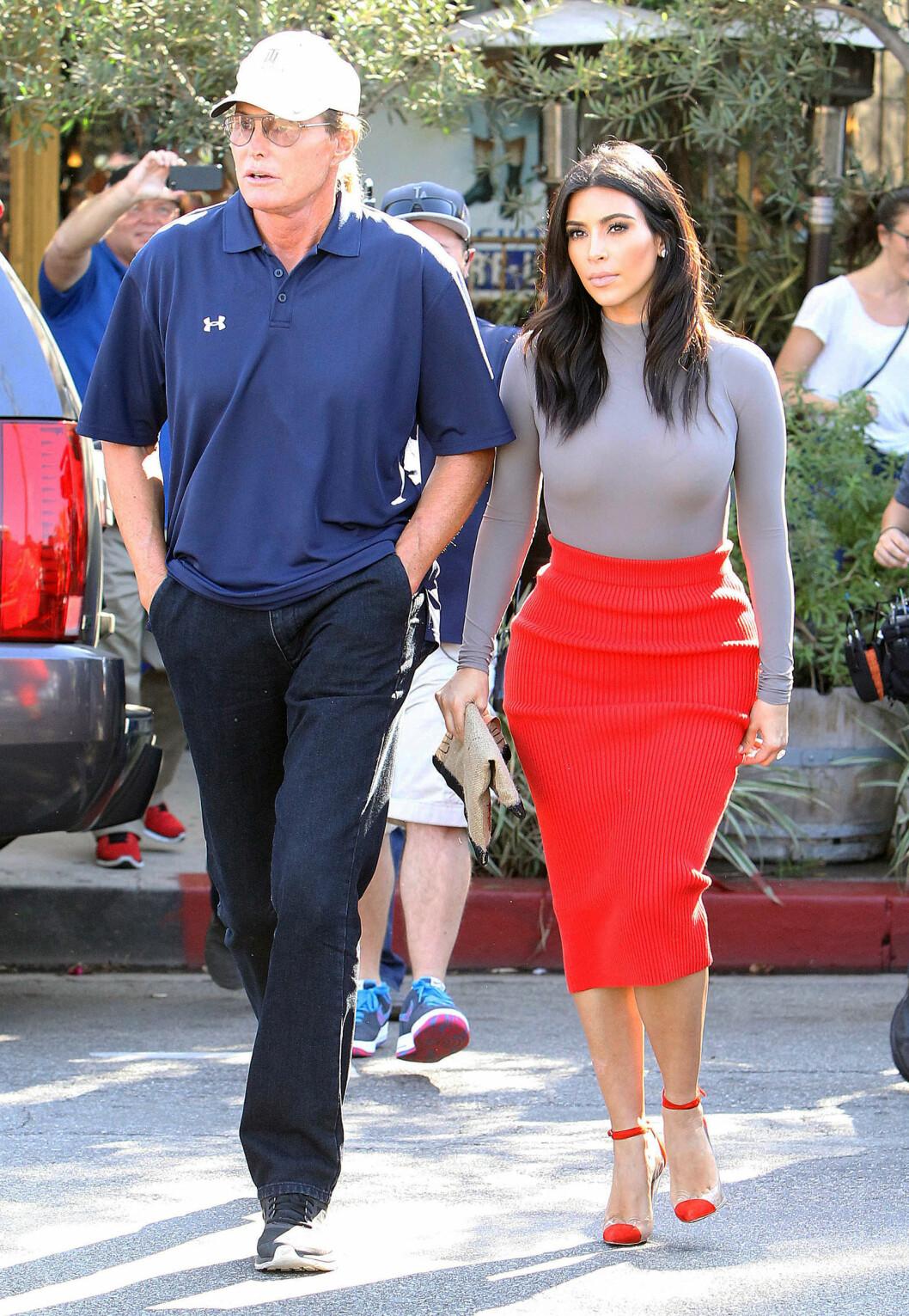 GOD KONTAKT: Bruce Jenner er Kim Kardashians stefar. Han skilte lag med Kris Jenner i fjor etter 23 år sammen.  Foto: NTB Scanpix