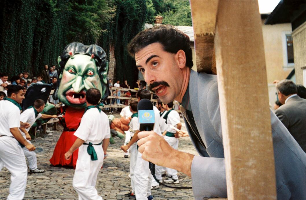 <strong>KJENT FIGUR:</strong> I en årrekke har rollefiguren Borat vært det fremste kjennemerket til Sacha Baron Cohen. Her i en scene fra den omdiskuterte «Borat»-filmen fra 2006.  Foto: Mary Evans Picture