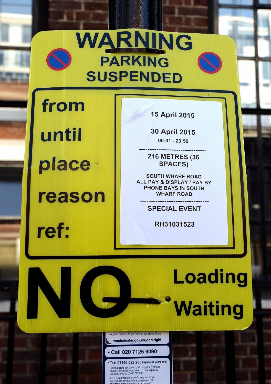 PARKERING FORBUDT: Hertuginne Kates «spesielle begivenhet» har nå sørget for å innstille parkeringsfasilitetene utenfor The Lindo Wing på St Marys Hospital i Paddington, London.  Foto: Pa Photos