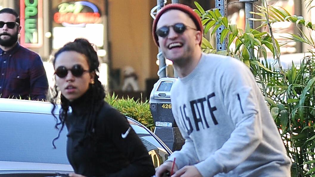 STORMFORELSKET: Robert Pattinson og FKA Twigs stortrives i hverandres selskap, og har valgt å ta forholdet et skritt videre. Foto: Stella Pictures