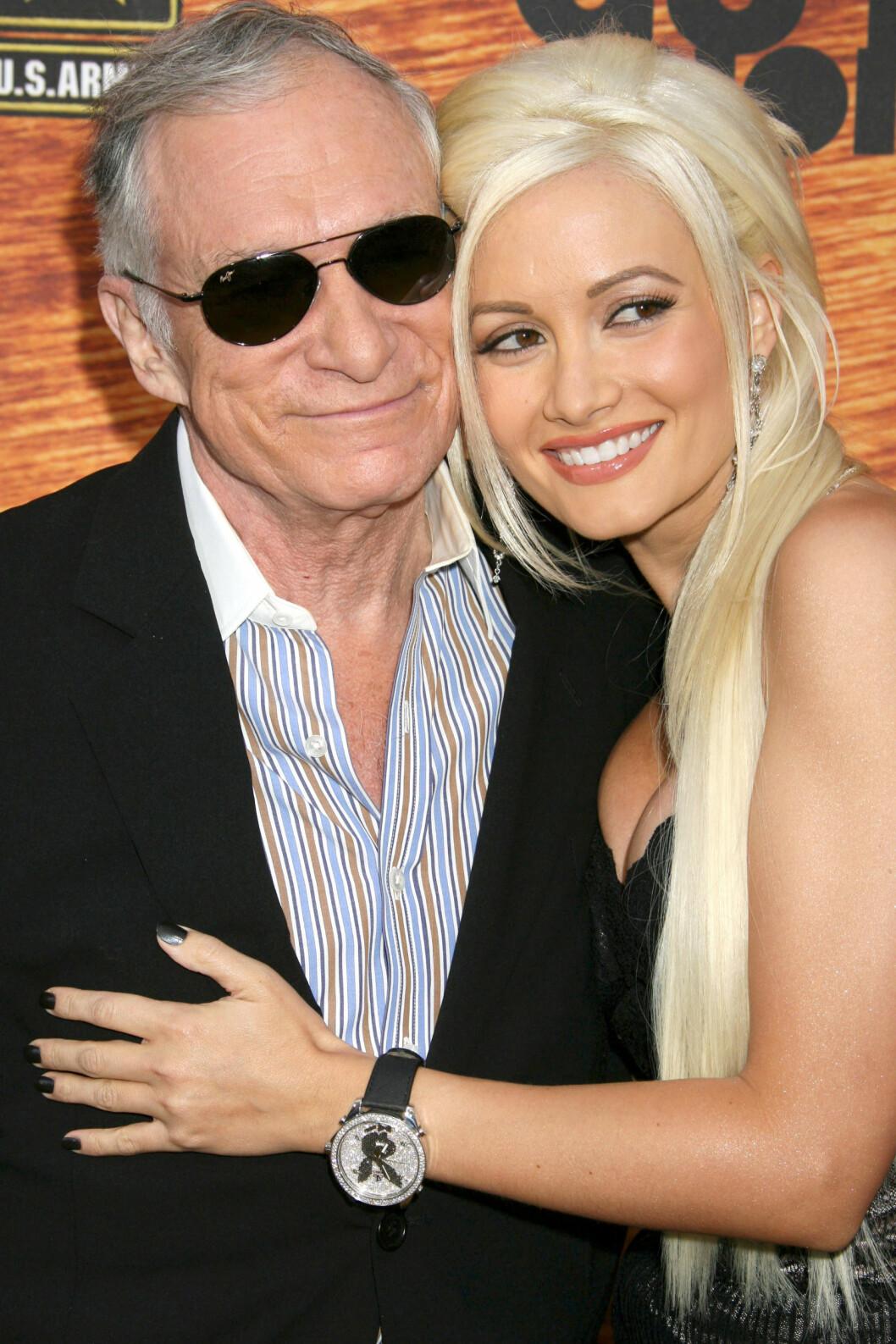 SLET PERSONLIG: Holly Madison var Hefners favorittkjæreste. Her er paret sammen i 2008. Foto: All Over Press