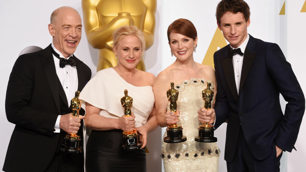DE FIRE GJEVESTE PRISENE (f.v): J.K. Simmons («Whiplash») og Patricia Arquette («Boyhood») vant prisene for beste mannlige og kvinnelige birolle, mens Julianne Moore («Still Alice») og Eddie Redmayne («The Theory of EVerything») vant prisene for beste kvinnelige og mannlige hovedrolle under den 87. Oscar-utdelingen i Hollywood.  Foto: REX/All Over Press