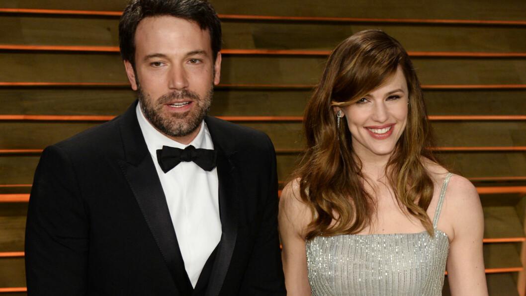 LYKKELIGE: Jennifer Garner har vært gift med kjekkasen Ben Affleck i ti år, og ønsker å gi sine tre barn et trygg og god oppvekst utefor rampelyset. Foto: REX/David Fisher/All Over Press