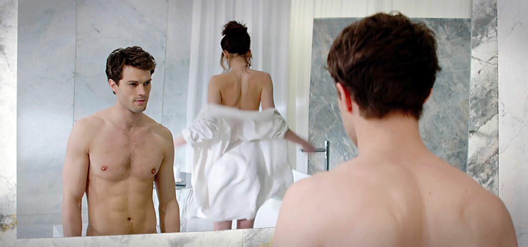PÅ KINO NÅ: De to romanfigurene Christian Grey og Anastasia Steele har blitt ikoner for millioner av lesere. Rollene spilles av Dakota Johnson og Jamie Dornan. Foto: All Over Press