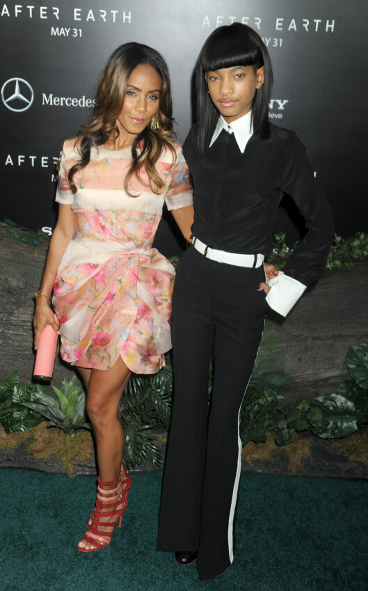 Jada Pinkett Smith and Willow Smith at the Domestic Premiere of After Earth  on May 29, 2013 at the Ziegfeld Theatre in New York City. Photo: LFI/Photoshot Code: 4034 COPYRIGHT  STELLA  PICTURES Foto: Stella pictures