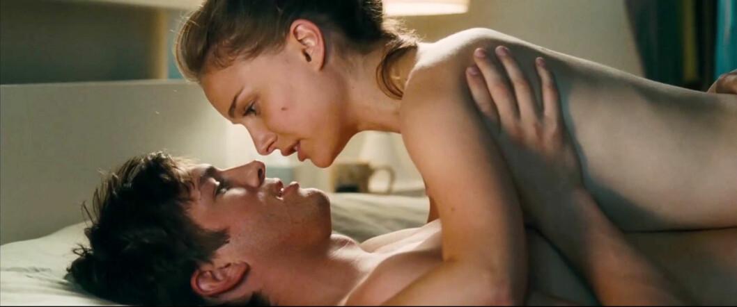 HETE SCENER: Portman og Kutcher hoppet til sengs i 2011-filmen No Strings Attached. Foto: Stella Pictures