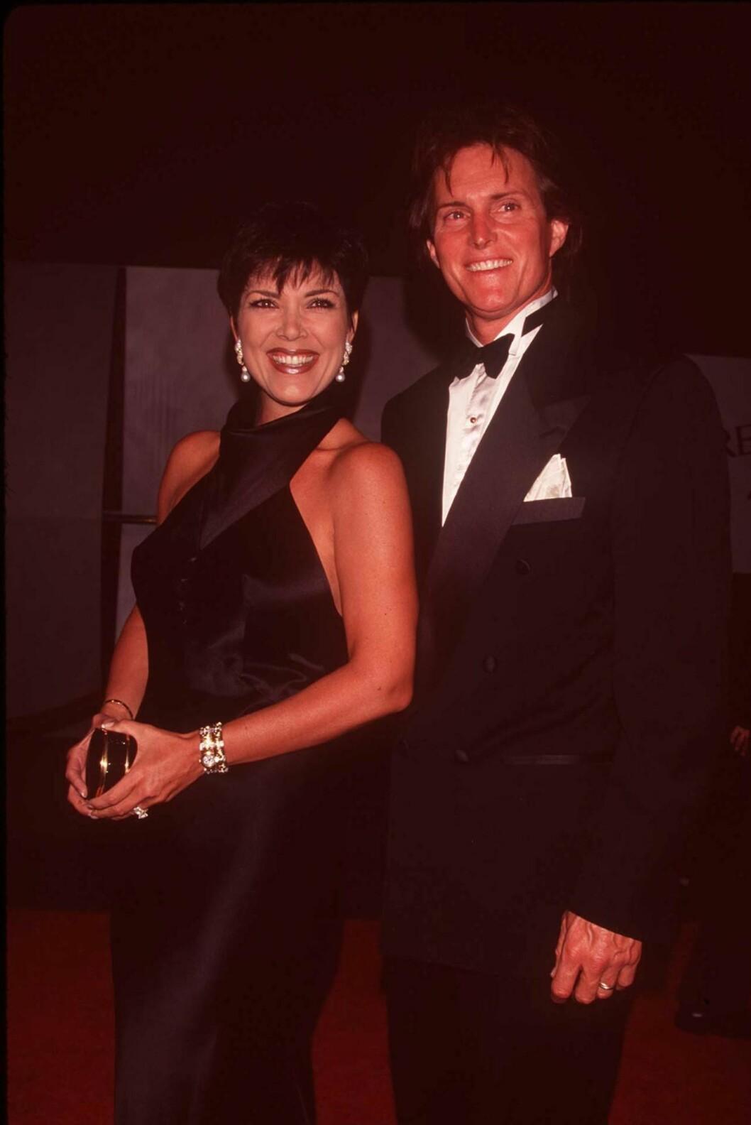 BRUDD: Kris og Bruce Jenner, her avildet på Fire & Ice Ball i L.A. i 1996, var gift i over 20 år. Kort tid etter at skilsmissen var sluttført, falt bomben om Bruce sine planer om kjønnsskifte.  Foto: REX/Dave Lewis/All Over Press