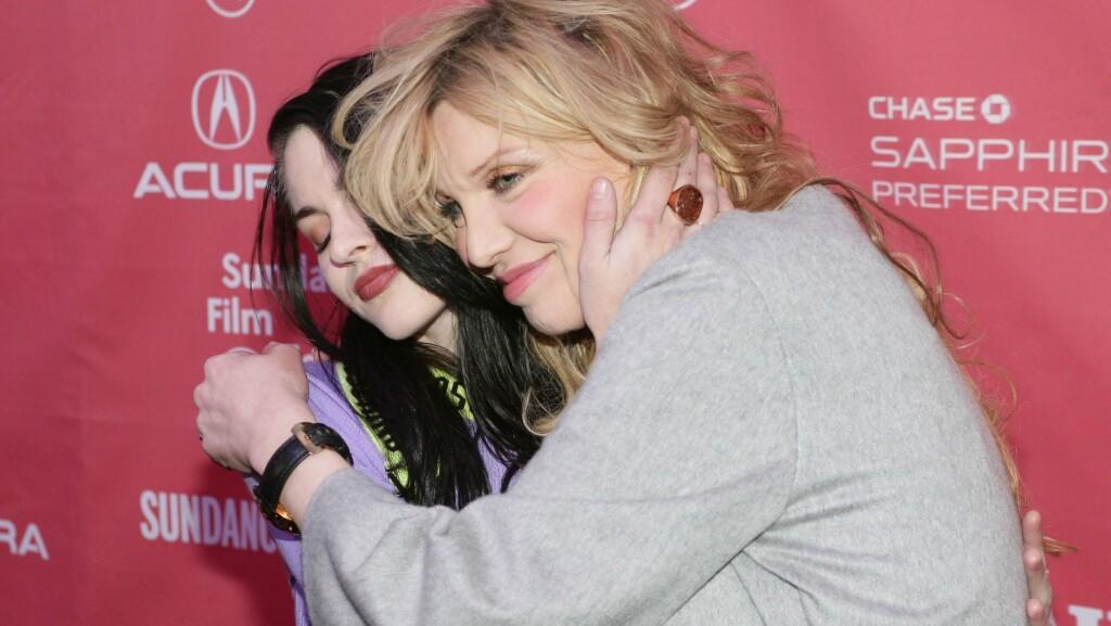 VANSKELIG FORHOLD: Sist lørdag ble Courtney Love gjenforent med datteren Frances Bean Cobain for første gang på fem år. Anledningen var premieren på dokumentaren «Kurt Cobain: Montage of Heck» under Sundance filmfestival i Utah. Foto: All Over Press
