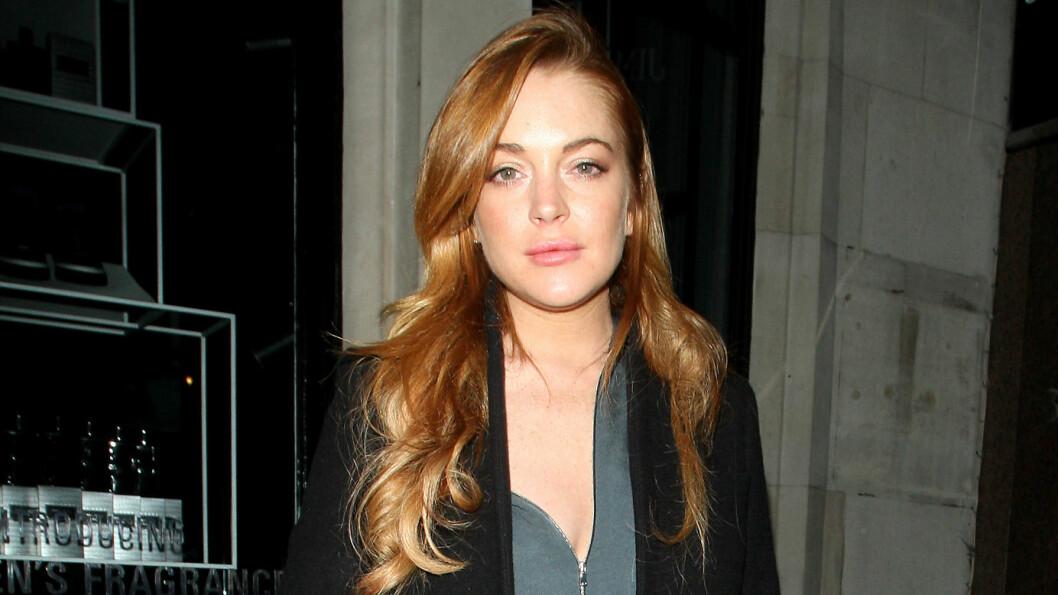 FÅR KRITIKK: Lindsay Lohan la denne uken ut en selfie på sosiale medier, som flere hevder er fikset på i Photoshop. Foto: Stella Pictures
