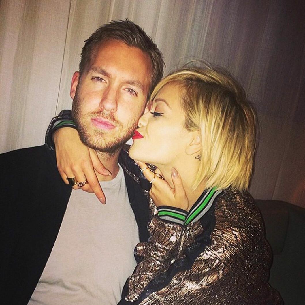 EKS-KJÆRESTER: I sommer ble det slutt mellom Calvin Harris og Rita Ora. Fra januar må hun bli vant med å se eksen hengende på digre reklameplakater overalt.  Foto: Stella Pictures