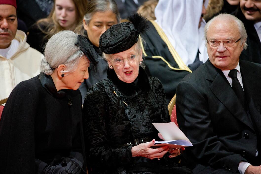 FRA JAPAN: Keiserinne Michiko, dronning Margrethe og kong Carl Gustaf. Foto: action press/All Over Press