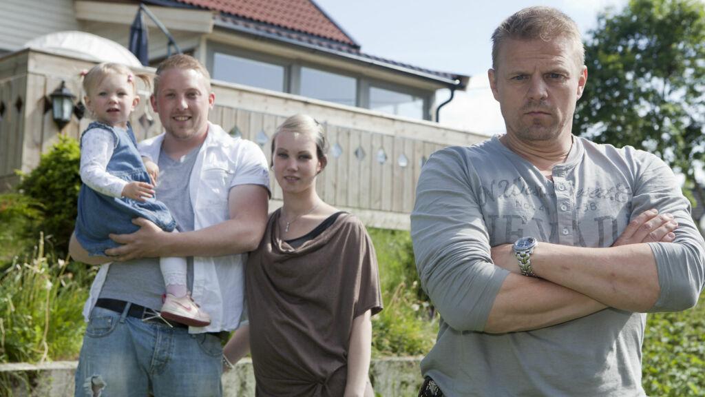 FIKK HJELP: Inga og Mats fra Vestby fikk god hjelp av sinnasnekker Otto Robsahm. Foto: TVNorge
