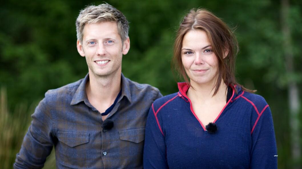 TOK GREP: - Jeg sov i undertøy, det gjorde jeg. Til slutt bare droppet jeg trusa og fikk på meg buksa, sier «Farmen»-deltager Stine Sørum, som her er avbildet sammen med programleder Gaute Grøtta Grav (35).