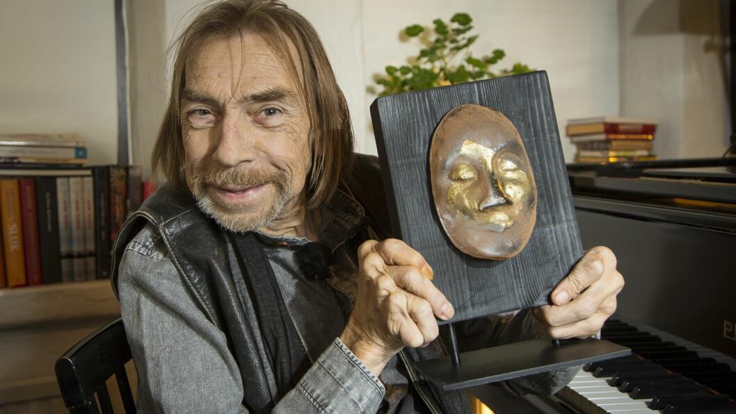 <strong>HEDERSMANN:</strong> Jahn Teigen ble tildelt hedersprisen under Se og Hørs kjendisgalla. Foto: Tor Lindseth